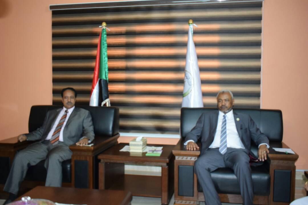 وزير العدل يلتقي النائب العام لجمهورية السودان