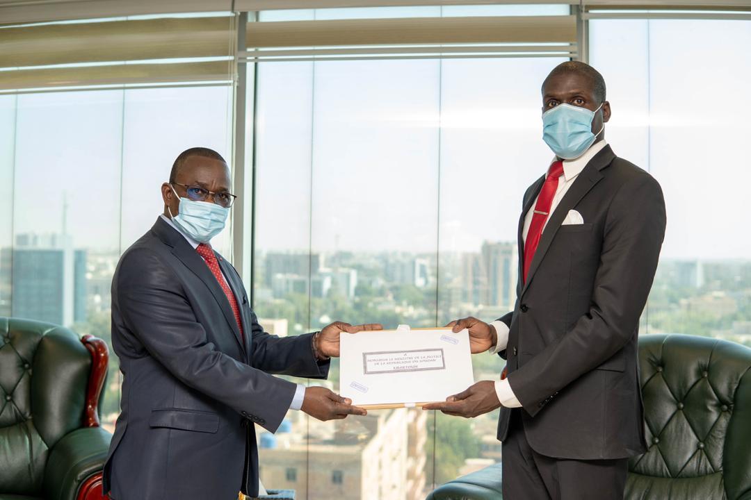 وزير العدل يلتقي وزير عدل جمهورية افريقيا الوسطى