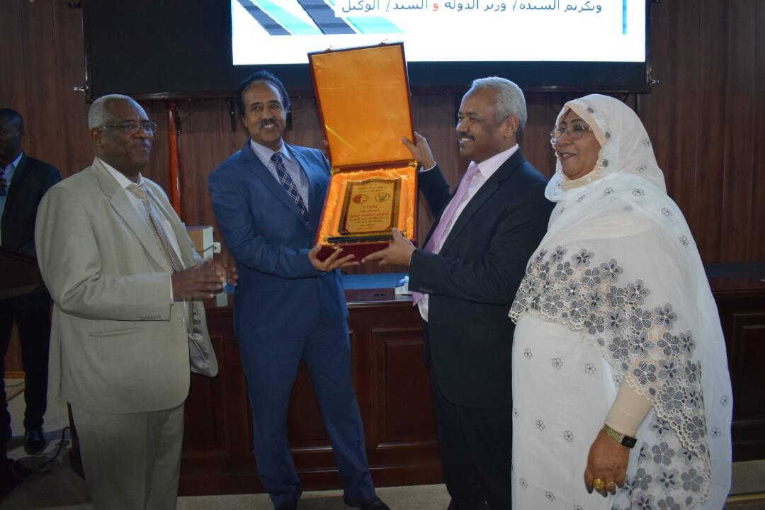 وزير العدل يثمن الادوار التي قامت بها المرأة السودانية طوال التاريخ