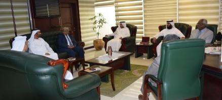 وزير العدل يلتقي بوفد محاكم دبي ويبحث العلاقات الثنائية بين البلدين في المجالات القانونية