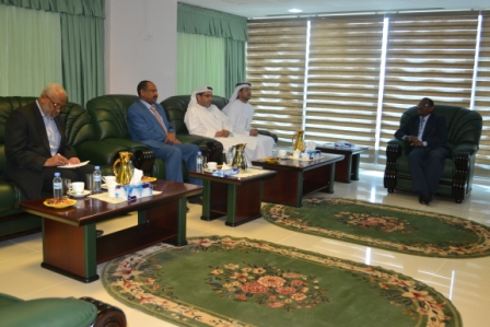 رئيس إدارة التفتيش بالنيابة العامة  يبحث مع وفد جمعية الإمارات للمحامين القانونين تطوير التعاون في