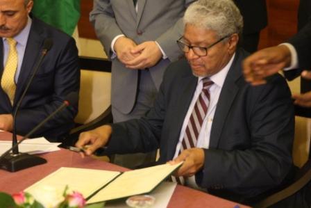 الجانبان السوداني والفلسطيني في اللجنة الوزارية المشتركة بين السودان ودولة فلسطين يوقعان مذكرة تفاهم