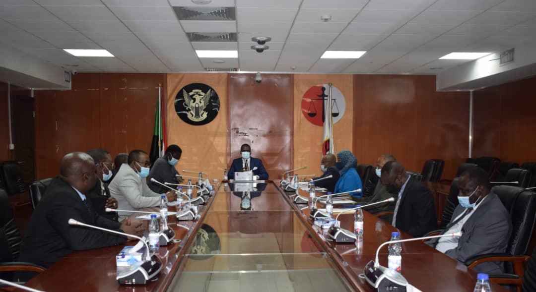 اجتماع وزير العدل مع وفد حركة جيش تحرير السودان - قيادة الاستاذ اركو مناوي