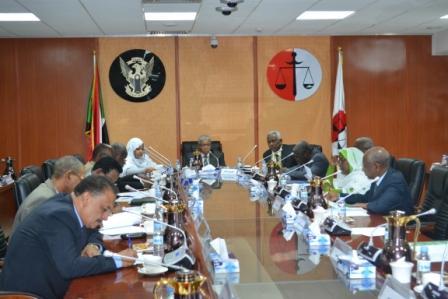 اجتماع الوزير مع مجلسي النيابات والوزير