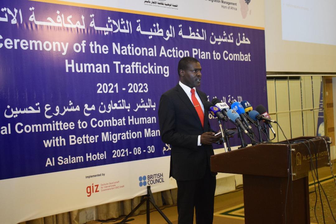 وزير العدل: يؤكد حرص والتزام الدولة للتصدي لجرائم الاتجار بالبشر