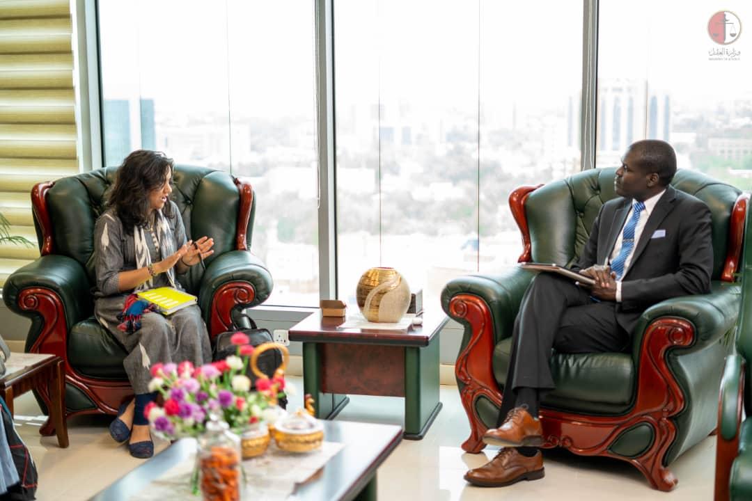 وزير العدل يجتمع مع فريق الطب الشرعي الارجنتيني ومعهد حقوق الإنسان بجامعة كولومبيا