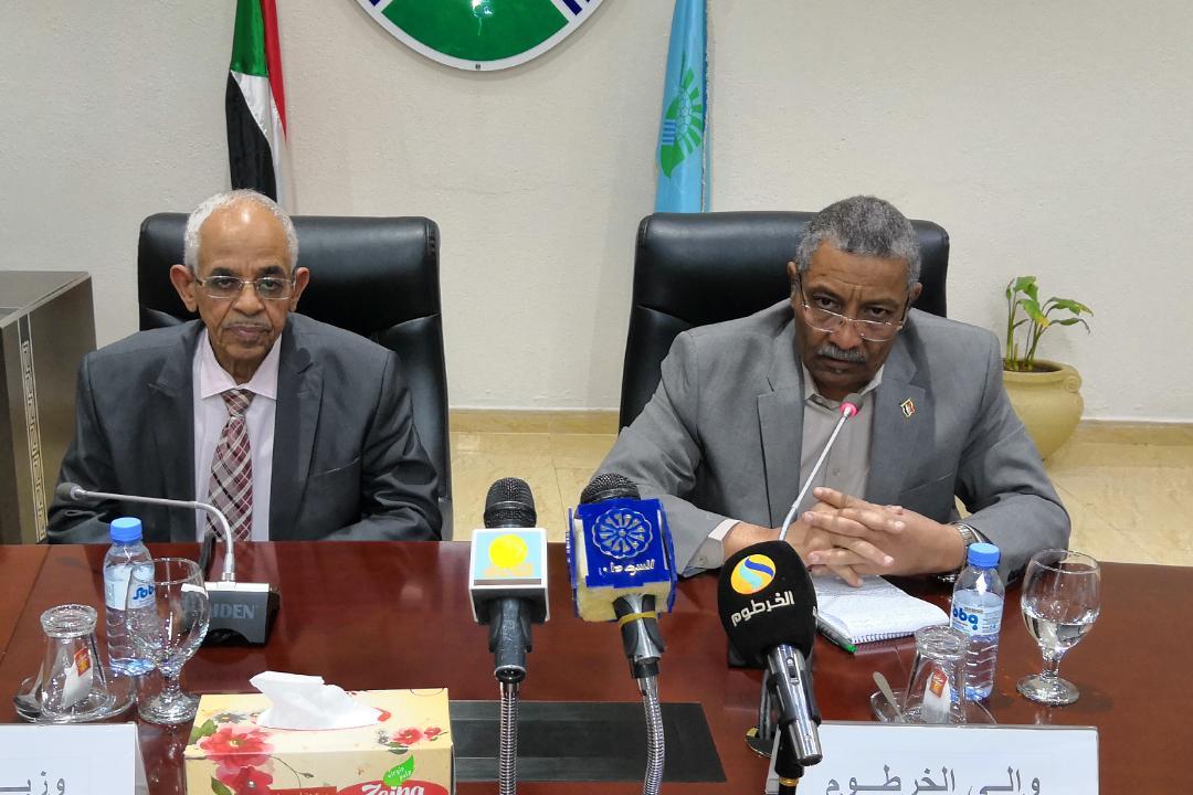 وزير العدل يتلقي تنويرا حول الأحداث بولاية الخرطوم