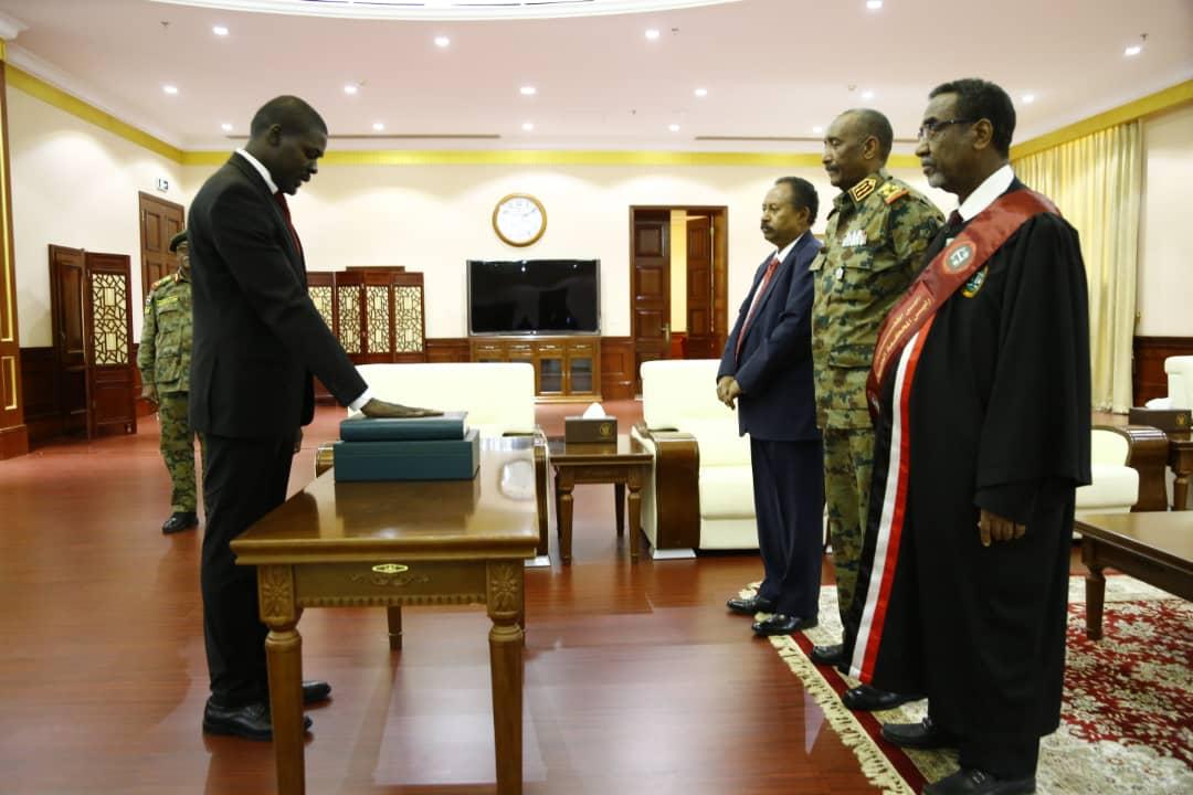 وزير العدل يؤدي القسم
