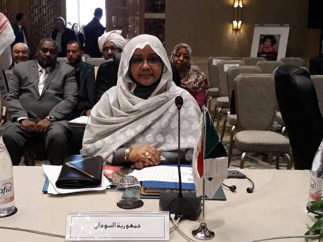 وزيرة الدولة بالعدل تؤكد دعم حكومة السودان لقضايا اللاجئيين وفاقدي الهوية