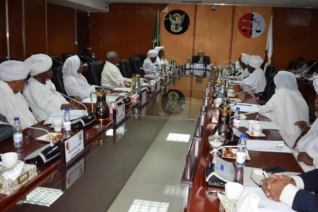 وزير العدل يتسلم مشروع قانون الاحوال الشخصية (تعديل) 2019
