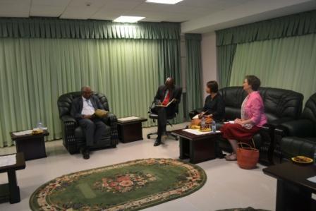 النائب العام يلتقي البعثة المشتركة للأمم المتحدة المتحدة والإتحاد الإفريقي ((يونا ميد))